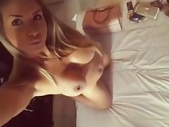 Cheta argentina se muestra y se masturba