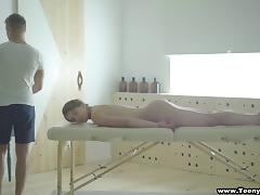 Sexy Simona closes her eyes during the best massage of her life