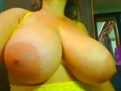 Big naturals jiggling on cam