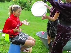 Dazzling amateurs having a good time in Sudsy Wetlook Wash.