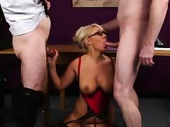 Horny babe gets cum shot on her face eating all the spunk