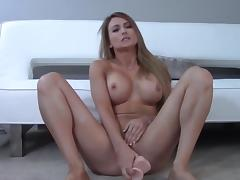 Blond girl with big dildo fuck her pussy