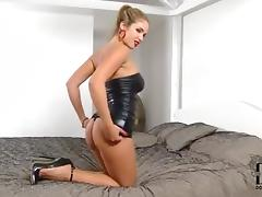 Blonde High Heels Solo