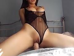 Asian tiener en een dildo