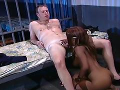 Busty Sinnamon Love Seduces The Prison Guard With Her Tongue