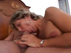 Mature Tart With Gaping Pussy Pounded