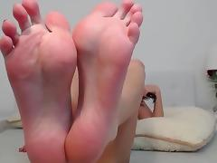 Serene showing her Soles and toes - Perfect feet