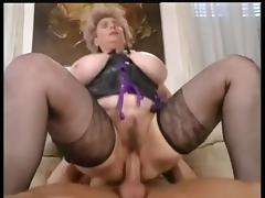Versaute Riesen Titten 1