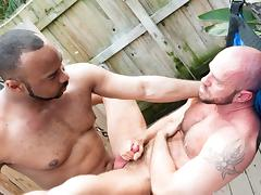 Ray Diesel and Matt Stevens - BarebackThatHole