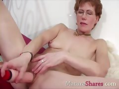 Pretty mom intense toy fucking porn video