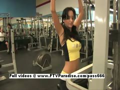 Luna Tender Amateur Girl Flashing At Gym porn video