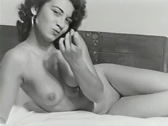 Cute Bitch Posing Naked on Bed 1950 porn video