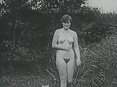 Busty MILF Having a Good Time 1950 porn video
