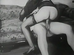 Using Bondage Devices to Reach Orgasm 1940 porn video