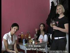 Jana checa hermosa