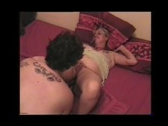 Mature ladies on the bed 2 time it is the turn of the mature blonde to get her pussy licked til she