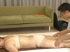 Emiri Momoka gets cum in her mouth after a massage