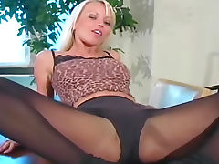 Jana Cova pantyhose tease with