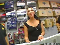 Latina Babe Jada Loves when her Pussy Vibrates