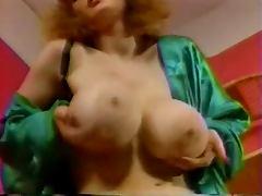 Shakin' Dem Tits
