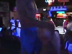 Lucky Guy Get A Blowjob From Stripper