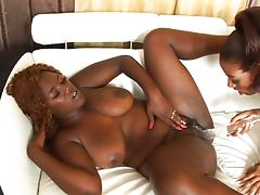 Lesbian ebonies take care of eachother