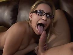 Joclyn Stone and Kelly Skyline can't stop sucking this dick