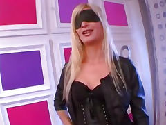FRENCH amateur Karine belle blonde hypersensuelle