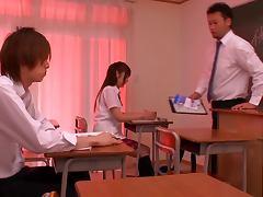Schoolgirl Miina Minamoto Takes A Messy Facial