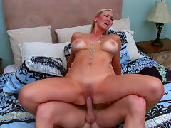 Hot milf Abbey Brooks bloes Johnny Sins's dick porn video
