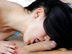 free Brunette porn tube