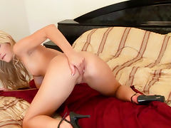 Courtney Simpson is fucking her nice pussy