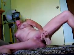 Mature MOM uses a Rubber Dick to fuck herself
