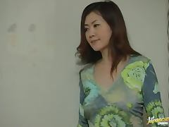Japanese Housewife fingers her wet pussy sitting on the floor porn video