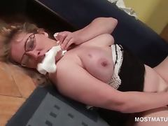 Blonde wild mature giving herself orgasmic pleasures at home