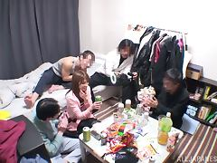 Japanese milf gives a blowjob after getting her pussy fingered