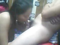 FILIPINA GIRL SUCKING COCK ON CAM