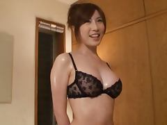 Yui Akane gives a stunning handjob and gets cum on her awesome tits
