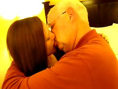 Hot Woman kissing a 82 year old man porn video
