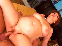 Big booty babe Morgianna fucks in her mature pussy