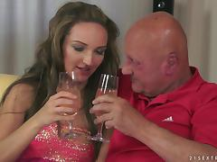 Legendary Old Fart Banging a Hot Drunk Girl's Pussy