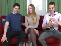 Blonde Hanna is fucking with two hard dicks