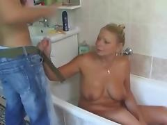 Old mom have a sex with guy in the bathroom
