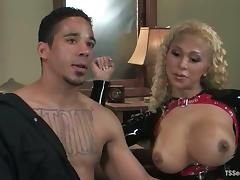Blonde tranny Jessica Host smashes Lobo's ass doggy style