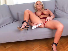 Big-tit babe Lucy Love and her toys