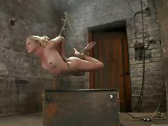 Rope Plays in Bondage Session Make Natasha Lyn Fly
