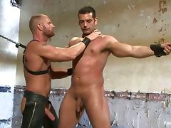 Alan Ladd gets his cock sucked and his ass fucked in BDSM clip