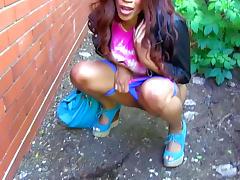 Ourdoor pissing scene with slender Kiki Minaj