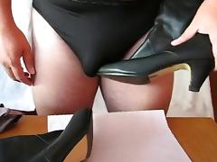 Wank with sexy Boots and Cum on them.