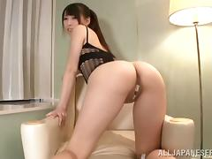 Japanese Chick in Lingerie with a Very Hot Butt Masturbates Her Twat